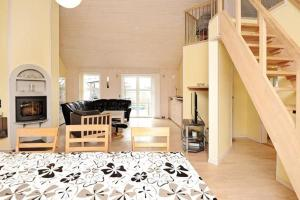 Three-Bedroom Holiday home in Tarm 2, Dovolenkové domy  Hemmet - big - 12