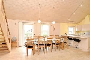 Three-Bedroom Holiday home in Tarm 2, Dovolenkové domy  Hemmet - big - 13