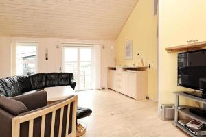 Three-Bedroom Holiday home in Tarm 2, Dovolenkové domy  Hemmet - big - 14