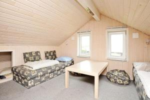 Three-Bedroom Holiday home in Tarm 2, Dovolenkové domy  Hemmet - big - 19