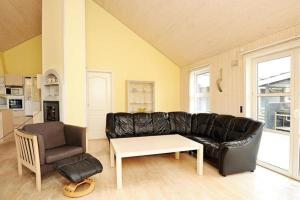 Three-Bedroom Holiday home in Tarm 2, Dovolenkové domy  Hemmet - big - 20