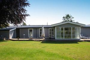 Three-Bedroom Holiday home in Kirke Hyllinge 2, Case vacanze  Kirke-Hyllinge - big - 2