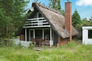 Photo of Two Bedroom Holiday Home In Ørsted 4