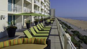 King Room Oceanfront with Sundeck