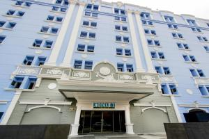 Photo of Hotel 81   Premier Star