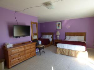 A Room with Three Double Beds