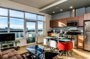 Photo of Space Needle Apartment