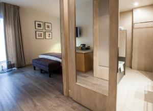 Hotel Barcelona Catedral - 56 of 61