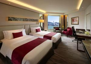 Premier Room with Two Double Beds and Side Harbour View