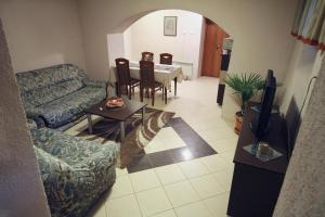 Guest House Via, Penziony  Bitola - big - 41