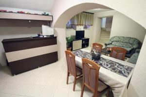 Guest House Via, Penziony  Bitola - big - 43
