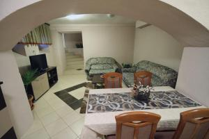 Guest House Via, Penziony  Bitola - big - 44
