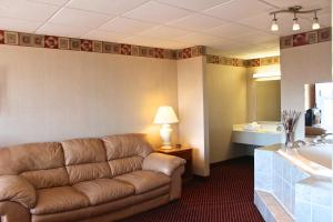 Suite with Whirlpool