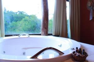 Studio King Room with Double Spa Bath and Mountain View