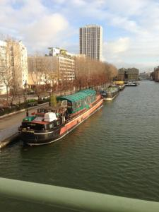 Bed and BreakfastBed & Breakfast Rotonde Canal De L'Ourcq, Parigi
