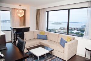 King Suite with Harbour View