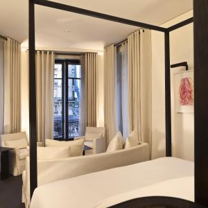 Suite with Eiffel Tower View with Pool Access & Bottle of Champagne