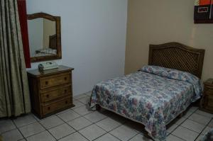 Double Room 1 or 2 beds with Private Bathroom