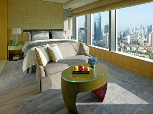 Business Travel Package - Deluxe King or Twin Room