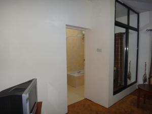 Photo of Ed Scob Suites