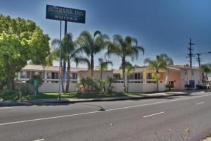 Burbank Inn and Suites, Motelek  Burbank - big - 1
