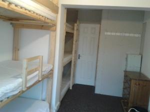 Oak Guest Rooms