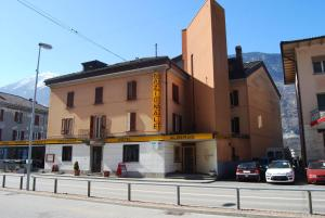 Albergo Nazionale, Bed & Breakfasts  Biasca - big - 1