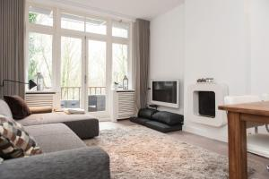 Cosy Vondelpark Apartment