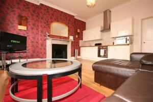 Albion Street Hotel Serviced Apartments in Cheltenham, Gloucestershire, England