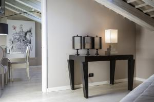 Seven Historical Suites (14 of 86)