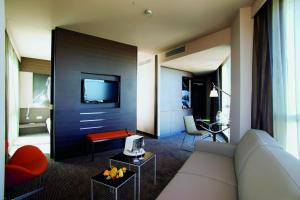 Superior King Suite