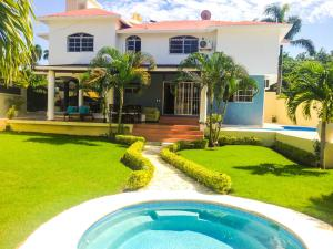 Photo of Villa El Doral