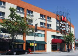 Photo of Metro Plaza Hotel