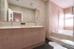 One-Bedroom Apartment with Spa Bath
