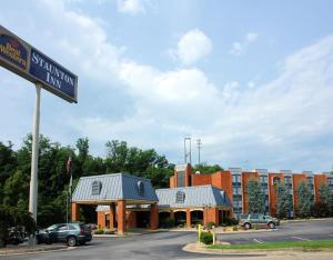Photo of Best Western Staunton Inn