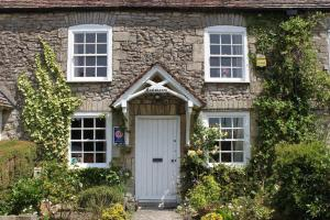 Enniskerry - The Loves Cottage in Shepton Mallet, Somerset, England