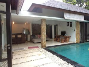 Photo of De Dayeuh By Bali Coconut Living