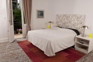 Luxury Three-Bedroom Apartment-With Private Terrace