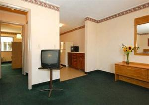 Two Double Beds with Sofa Bed