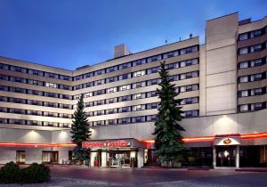 Photo of Sheraton Cavalier Hotel Calgary