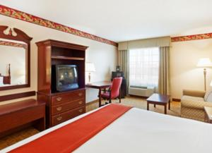 King or Queen Room with Two Queen Beds