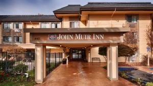 Photo of Best Western Plus John Muir Inn