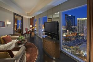 Strip View Suite