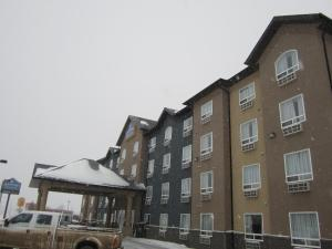Photo of Lakeview Inn & Suites   Fort Nelson
