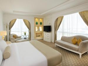 King or Double Room with Resort View