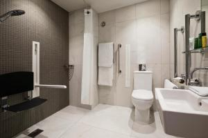 Double Hilton Deluxe Room with Disability Access