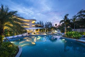Photo of Novotel Phuket Karon Beach Resort And Spa
