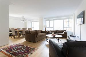 Two-Bedroom Apartment - Flinn Place