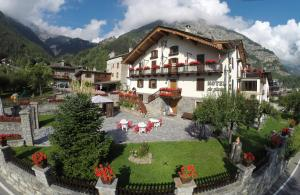 Photo of Hotel Des Glaciers
