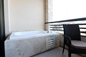 Luxury Suite with Terrace Jacuzzi